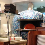 メルジェリーナ - 厨房にあるピザ釜