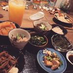 沖縄料理 新風 - 前菜8品盛り合わせ