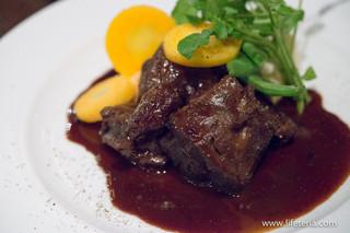 アデニア - 北海道産エゾ鹿の赤ワイン煮込み マッシュポテト添え【2015年3月】