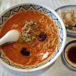中国ラーメン揚州商人 - 激辛タンタン麺(細麺(柳麺))910円 餃子(6個)360円