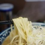 さとう - 麺(太麺)のアップ