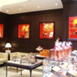 モンシュシュ ウィズ トラベルカフェ - 店内には焼き菓子や紅茶の物販販売もしています。