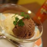 スマイルキッチン ピザダイナー - 今日のアイス(チョコとヴァニラ