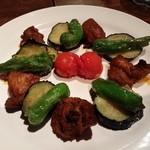 ベジョータ ムチョ - イベリコ豚のエキゾチックなオーブン焼きモーロ風