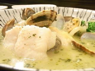ワイン&十色 - アサリをふんだんに使ったこのスープが美味☆♪