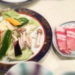Ajisaiishigakijima - 豚肉の鉄板焼きの具。