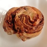 桟歩道 - チョコとオレンジのロールぱん(170円)