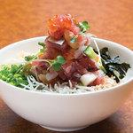 毘沙門天 - その日の魚種をふんだんに使った贅沢海鮮丼