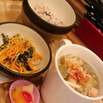 うさこ家 - 海からのさわやかな風☆桜海老とシーフード、春キャベツのスープ
