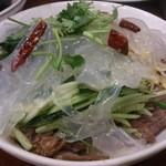 京華閣 - ・牛肉拉皮 1000円 牛肉と板春雨和え