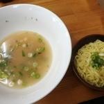 36150865 - 完食&替玉150円 小鉢にギッシリ麺がかわいい