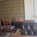 コンテナ カフェ&バー - 細い階段を上がるとステキな隠れ家カフェが*