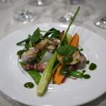 ビストロ キフキフ - 春野菜と貝類、ほたるいかのサラダ、バジルのドレッシング