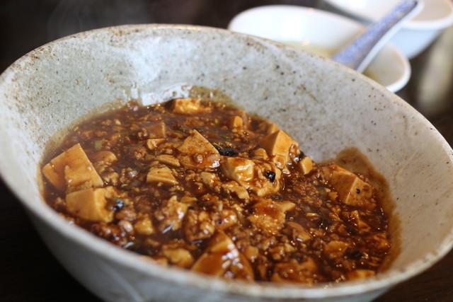 MAO - フツーの麻婆豆腐丼。これでも花椒のしびれるようなスパイスがきいてますよ