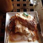 3rd Stone Cafe - キャラメルのフレンチトースト。バケットで作られてます。甘め