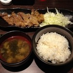 太田精肉店 - 牛カツ定食