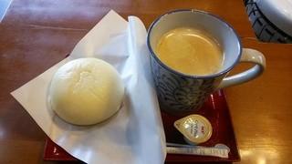千代乃家 - 酒まんコーヒーセット450円