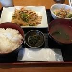 島たいむ がんじゅう - 日替わり定食 沖縄感はないけどうまい。