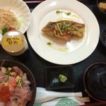 魚屋直営食堂 魚まる - バター焼き定食