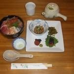 GTカフェ - 料理写真:ハイブリッド海鮮丼(要予約)