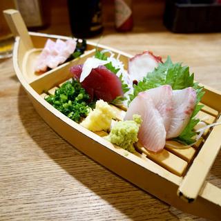 魚猫 大山店 - おまかせ刺盛3点 ¥680