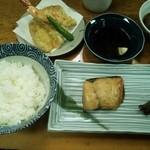 郷土料理 おば古 - ランチ:ご飯、目鯛のつけ焼き、天ぷら