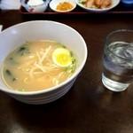 中華料理 龍縁 - 豚骨ラーメンは味気ない