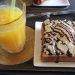 HEAVEN'S CAFE - オレンジジュースとハニートースト