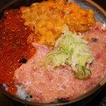若狭亭 - 料理写真:人気NO.1丼・・・うに、いくら、ねぎとろ丼です。ガッツリと食べれます。