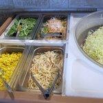 センターリバー - 飲み物とスープ、サラダはビュッフェスタイルただこの日トッピングの表示が逆でした