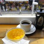 路の上のカフェ日日 - パンナコッタとコーヒーのデザートセット