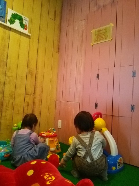 カフェ リーノ - 奥にあるおもちゃいっぱいキッズスペース♪