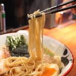 拳ラーメン - 拳ラーメン醤油 (煮玉子入り) (2015/03)