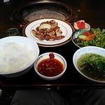 36201510 - ランチ豚さがり。(サラダ、スープ、ナムル、フルーツ付き)