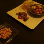 バー プリベ - 小ぶりなピーナッツもチョコも美味しい