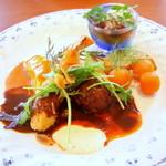 """洋食屋料理番 - """"本日のお魚ランチ""""(鯛の白ワイン蒸しとカニクリームコロッケとエビフライ)"""