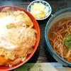 茶山 - 料理写真:カツ丼850円+ミニかけ250円