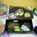レストラン 神楽 - 料理写真:お刺身が2種類