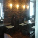 ツタヤ喫茶店 -  奥のボックス席