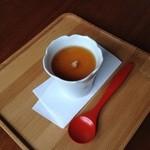 サノワ サロンドテ - 豆腐の茶碗蒸し。鼈甲餡のおかげで熱々♪