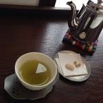 サノワ サロンドテ - また別な日 深蒸し茶(鹿児島県 頴娃産)600円+税