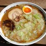 らーめんゴルジ - ゴルジらー麺 680円 (2014/3) (^^b 割りばしが立ちますよ(^^;