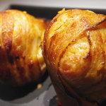 ルーディリシャス - とろけるチーズ入り豚バラ生姜焼き巻きおにぎり