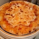 さるうて イタリアリストランテ - クワトロフォルマッジ<4種のチーズ>をつかったピッツア