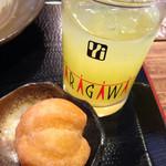 沖縄そば ゆんたく - 食後にアンダギーと、シークァーサージュース