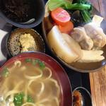 沖縄そば ゆんたく - 今日の日替わり定食¥850➕税 は、おでん