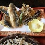 36226726 - サクサク、揚げたての美味しい鮎の天ぷら