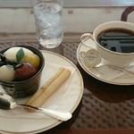 36229730 - 抹茶ムースとホットコーヒー