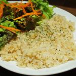 秋葉原バル モンパカ - こんなに食べやすくて美味しいガーリックライスは初めて☆もっと食べたい!