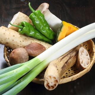 一品料理、焼野菜など新鮮野菜を使用したメニューもございます。